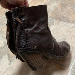 Sold out.. Adam tucker.. me too Peru boots